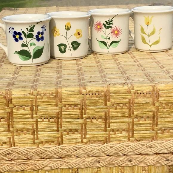 Set of 4 VTG Secla Potery Portugal espresso cups